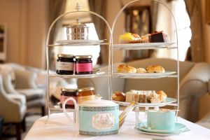 Fortnum__Mason_Afternoon_Tea.