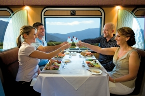 01_queenslander-class-dining-car-internal.
