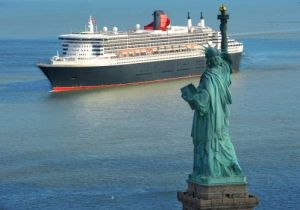 QM2 with the Statue of Liberty