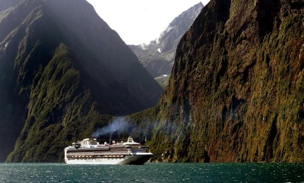 Cruising Fiordland