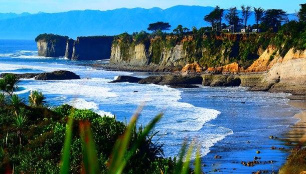01Cape-Foulwind-Omau-Cliffs-Brenda-Turner