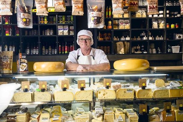 00Paul-Broughton-C'est-Cheese-Featherston